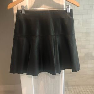 Vince black leather skirt size xs